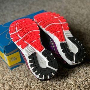 Brooks Shoes - Brooks Adrenaline 19